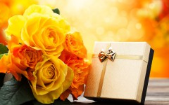 Creative_Wallpaper___Gift_with_yellow_flowers_041999_
